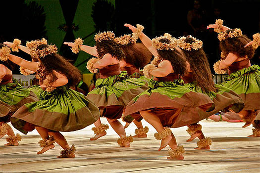 Venetia Featherstone-Witty - Hula Dancers at the Merrie Monarch Festival