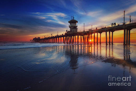 Susan Gary - Huntington Beach Pier at Sunset
