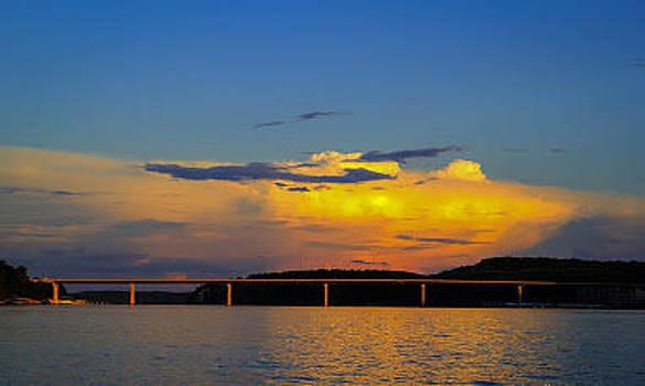 Hurricane Deck Bridge by Al Griffin