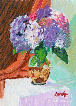 Candace Lovely - Hydrandea in Vase with Shells