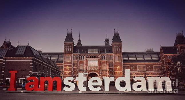 I amsterdam by Miryam  UrZa