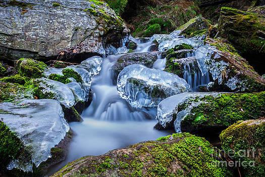 Katka Pruskova - Ice and Water XII