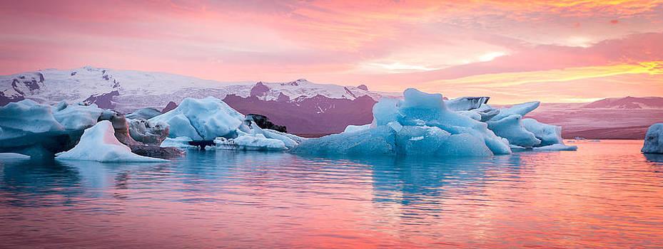 Francesco Riccardo  Iacomino - Icelandic Panorama