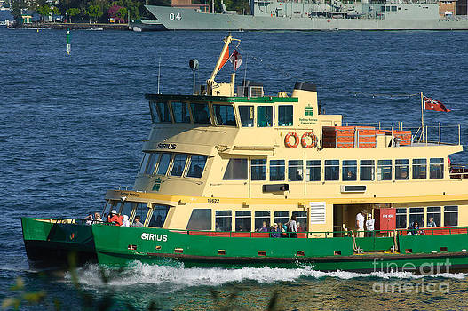David Hill - Iconic Sydney ferry on Sydney Harbour