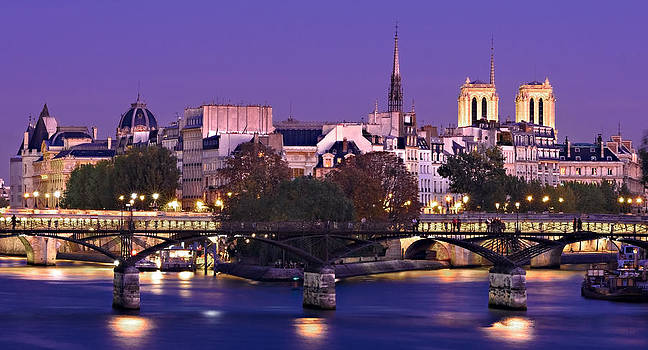 Ile de la Cite and Pont des Arts / Paris by Barry O Carroll