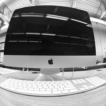 #imac #class #graphicdesign #apple by Matthew Loving