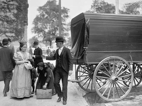 Steve K - Immigrants at battery park 1900