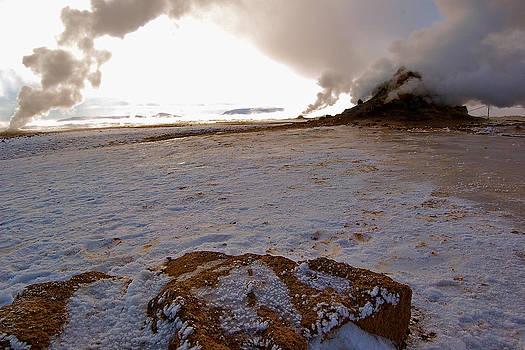 HweeYen Ong - Invisible Mountain