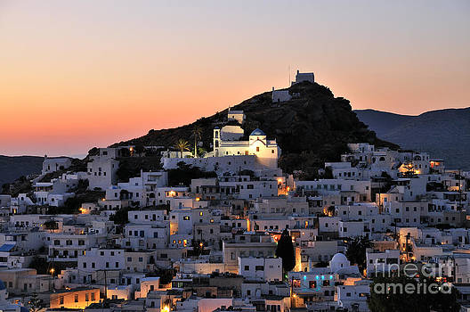 George Atsametakis - Ios town during sunset