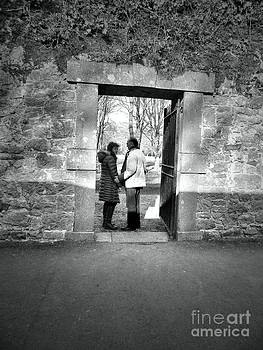 Irish Couple in Doorway by Sara  Mayer