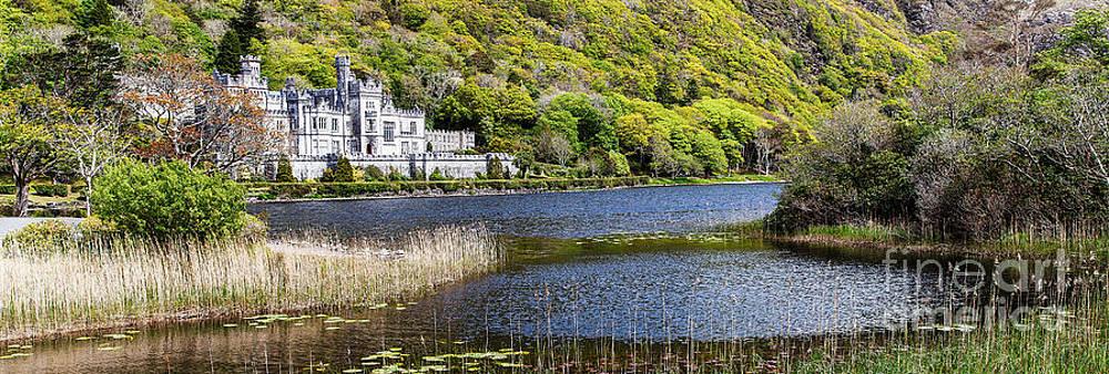 Irland - Kylemore Abbey by Juergen Klust