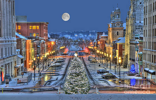 It's Christmas Time In The City by Geoff Crego