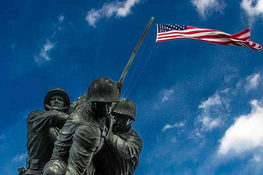 Iwo Jima Memorial by Tom Gort