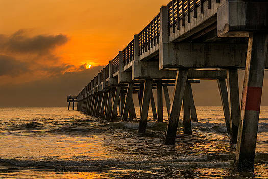Jacksonville Beach Fishing Pier by Dustin Ahrens