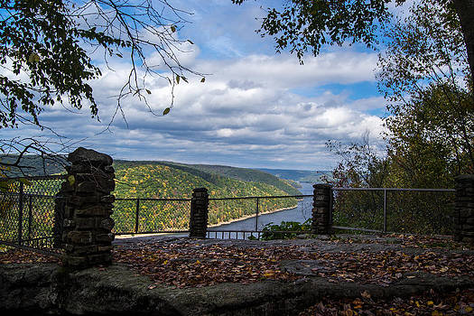 Jakes Rocks Overlook by Anthony Thomas