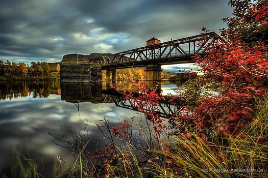 James Street Bridge a severed artery by Jakub Sisak