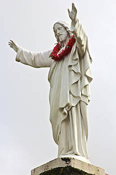 Venetia Featherstone-Witty - Jesus with Lei