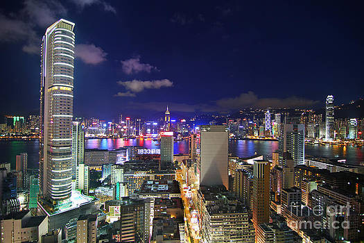 K11 in Tsim Sha Tsui in Hong Kong at Night by Lars Ruecker