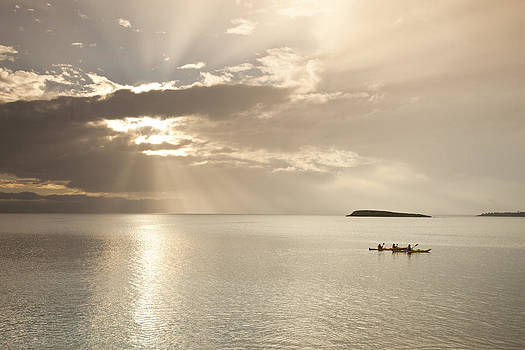 Kayaking on the Freycinet by Joe Wigdahl