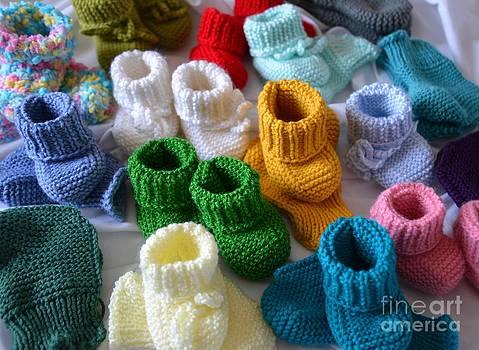 Keep Warm Baby by Galina Khlupina