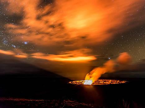 Kilauea's Glow by Robert Yone