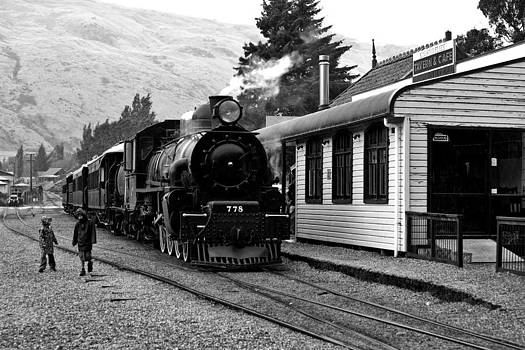 Kingston Flyer by Keith Growden