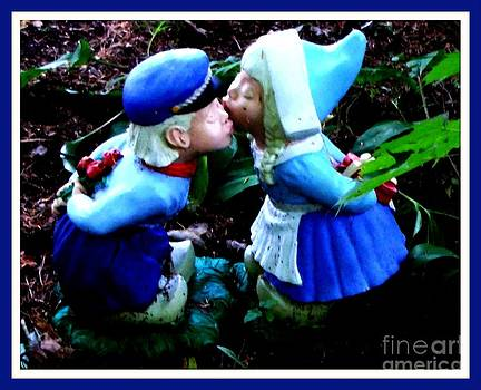 Gail Matthews - Kiss in the Garden