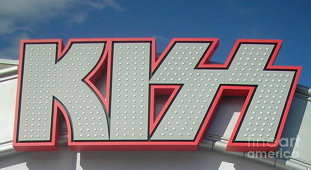 M West - KISS Sign