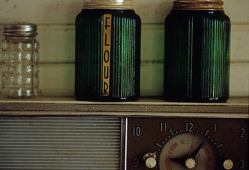 Harold E McCray - Kitchen Canisters