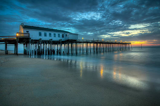 Kitty Hawk Fishing Pier by Dustin Ahrens