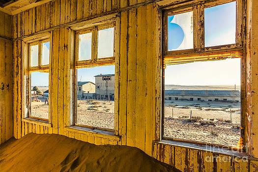 Katka Pruskova - Kolmanskop 81