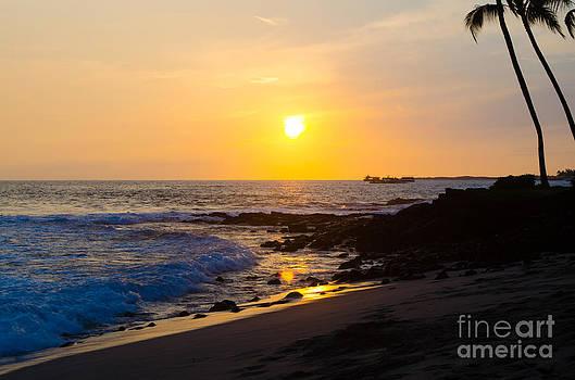 Kona Sunset by Chris Ann Wiggins