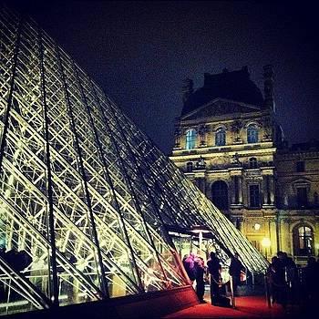 La Louvre #paris by Sarah Dawson