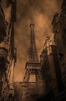 La Tour Eiffel by Guillermo Rodriguez
