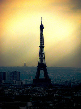La Tour Eiffel by Lisa Chorny