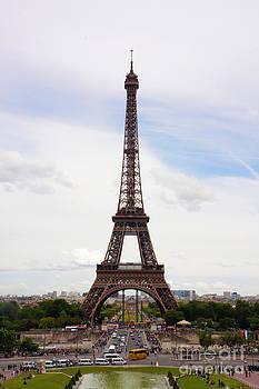 La Tour Eiffel by Marie Jeon