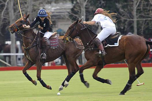 Venetia Featherstone-Witty - Ladies Polo in Argentina