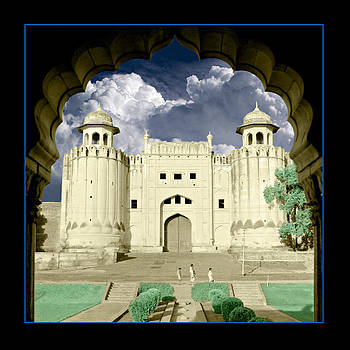 Lahore Fort by Fuad Azmat