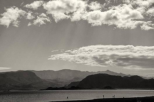 Lake Mead Nevada April 2012 by Joseph Duba