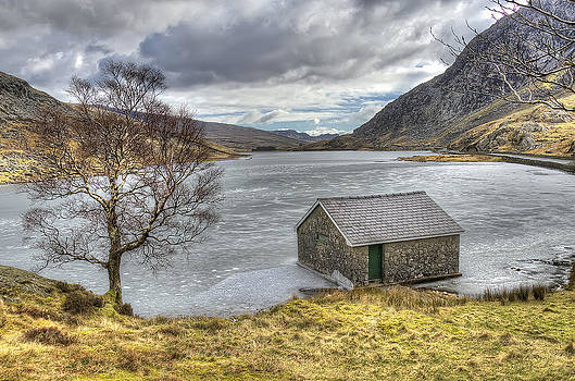 Darren Wilkes - Lake Ogwen View