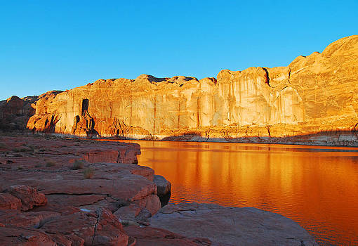 Robert VanDerWal - Lake Powell Sunrise