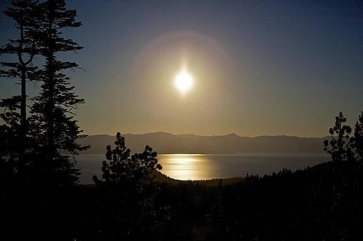 Lake Tahoe Sunset by Joe Urbz
