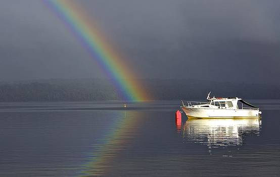 Venetia Featherstone-Witty - Lake Te Anau Rainbows After the Storm