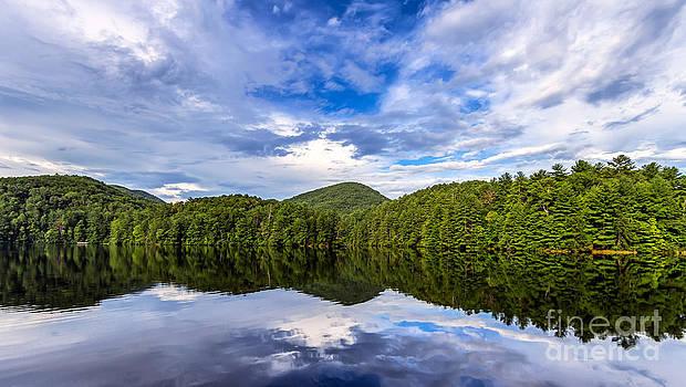 Lake Unicoi by Bernd Laeschke