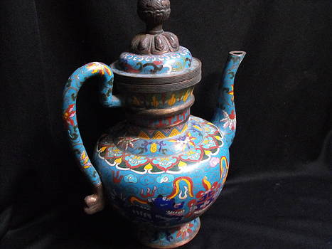 Large Chinese cloisonne teapot by Anonymous