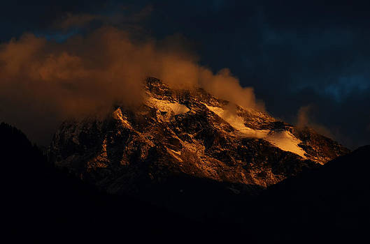 Last Kiss Of The Light... by Rohit Chawla