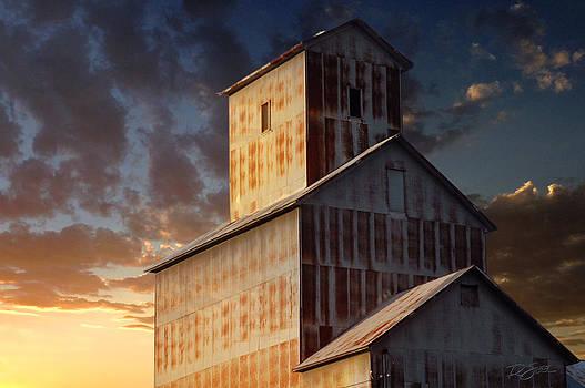 Last Light on Burns Elevator by Rod Seel