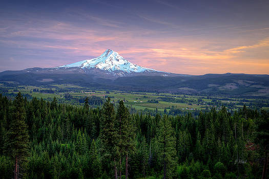 Last Light On Mt. Hood by Joe Hudspeth