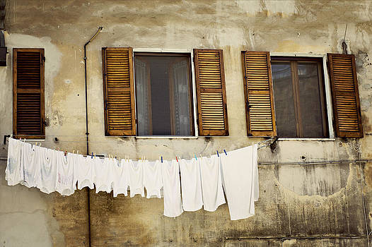 Laundry in Tuscany by Vaida Abdul
