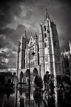 Leon Cathedral by Tom Bell